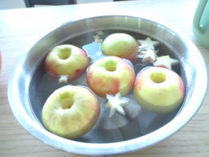 Ein bisschen Wellness für die Äpfel.